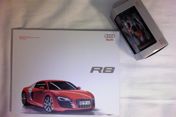 アウディR8 試乗会 お土産 本カタログ